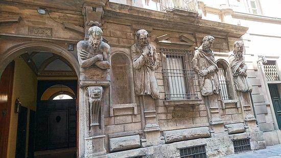 奧梅諾尼家族的宅第外觀