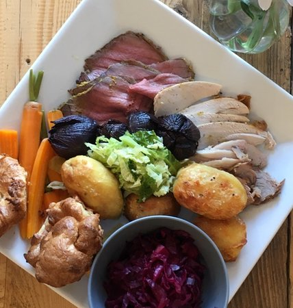 Sunday Roast By The Coast. Our Sunday Roast Social will run all Autumn and Winter.  Sittings at 13.00 and 15.00. Booking is advisable