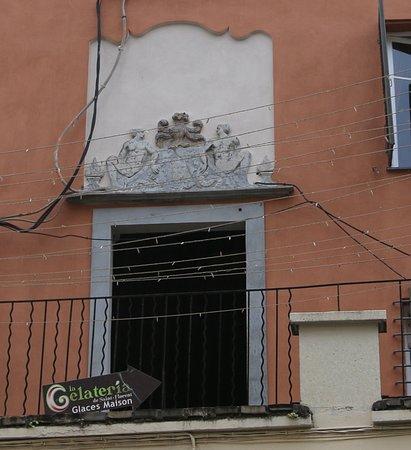 Bas relief de la maison Castagnola