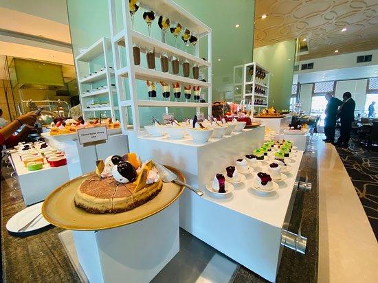 The Dining Room At Cinnamon Lakeside Colombo Menu Prices Restaurant Reviews Tripadvisor