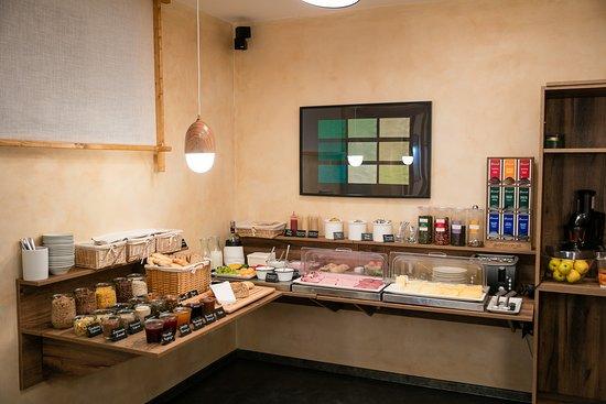 Liberec, جمهورية التشيك: Pytloun Design Hotel - Breakfast