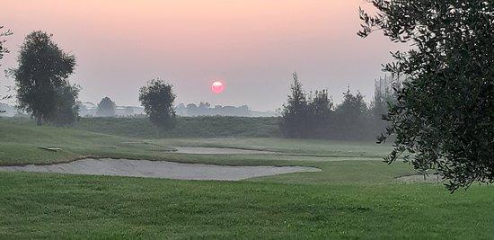 Il sorgere del sole è sempre piacevole da vedere