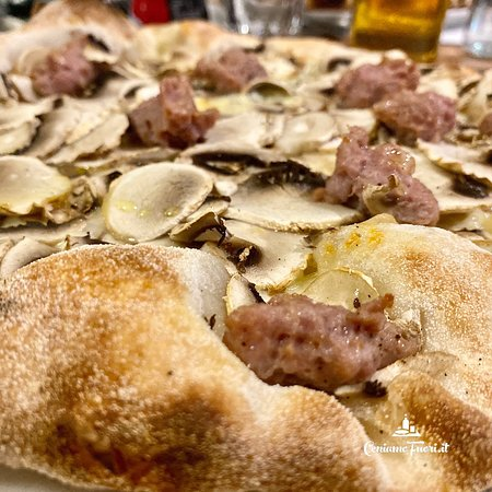 """Pizza Boscaiola"""