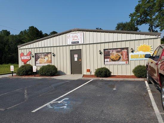 Pembroke, GA: Front of the building entrance on the side