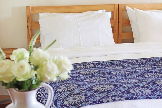Nanyuki Municipality, Kenya: Fuchsia bedroom . Can be booked as two singles or double.