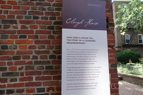 Historic buildings  (find this near Old North Church)