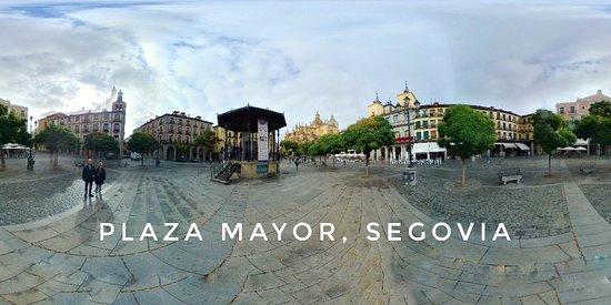 Segovia, Španielsko: Plaza Mayor