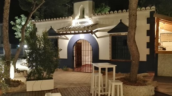 Godella, España: Casita preexistente. Gurugú.