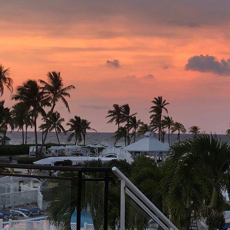 Территория отеля трип кайо-коко и чуть-чуть мен и пляжа и ресторана с бассейном . Есть ещё много фоток , все выкладываю в Инстаграм tat_enjoy8