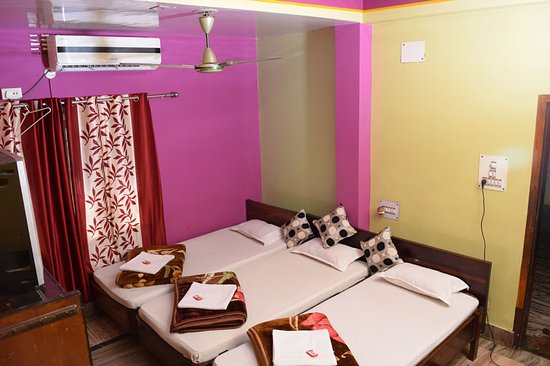 TRIPLE BED(AC / NON AC) ROOM