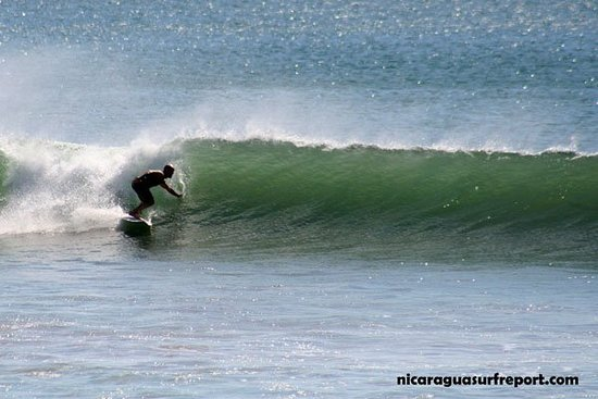 Playa Yankee, ניקרגואה: Nelson Wells (DJ Bujia) of Athens, Georgia surfing Nicaragua. Photo by Roberto Lucha Libre for NSR Surf. contact Http://nelson-wells.com for more info on how to set up your next surf trip.