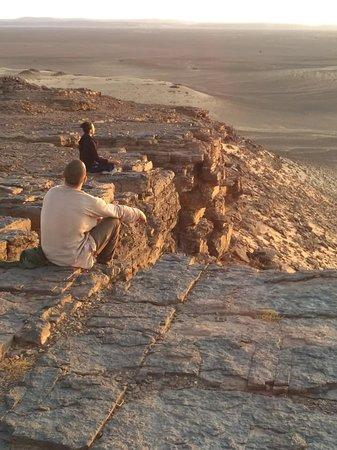 Zagora, Marruecos: Coucher de soleil sur la montagne sacré...