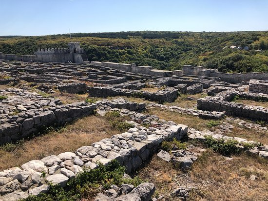 Birdwatching and cultural heritage tour from Varna: Shumen fortress