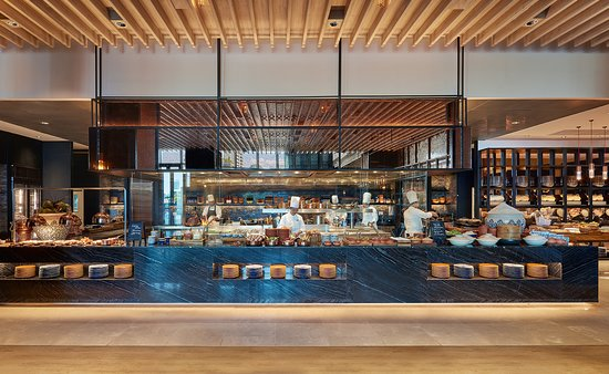 Market Cafe | Hyatt Regency Bangkok Sukhumvit - Direct Access to BTS Skytrain, NANA station (Exit 3)