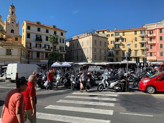 Mercato Bisettimanale di Sanremo