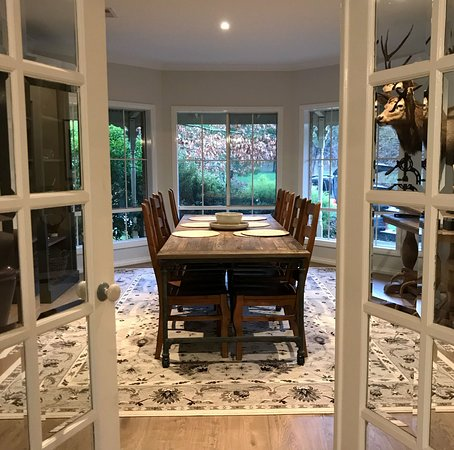 Gracefield House - 3 Bedroom Self Contained Farmhouse (Lounge Looking into Dining Area)