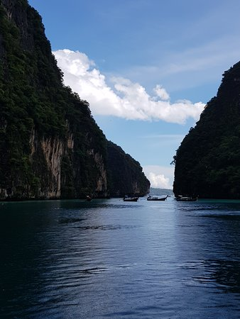 Amazing day trip to Phi Phi