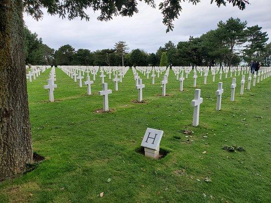 D-Day tour - Utah Beach & Omaha Beach - suitable as a day trip from Paris: Normandy American Cemetery & Memorial