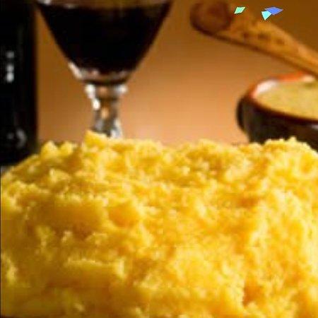 Roccavivi, Italia: Cosa c'è di maglio di un buon piatto di polenta in queste fredde serate?