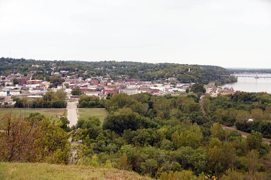 View of central part of Hannibal, MO