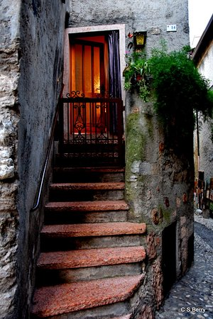 A lovely little nook in Malcesine