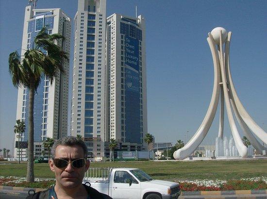 البحرين: Кажется,этой стеллы уже и нет(?)