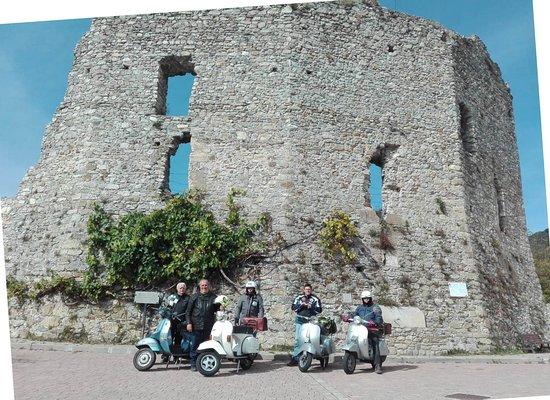 Bardineto, Italia: La piazza