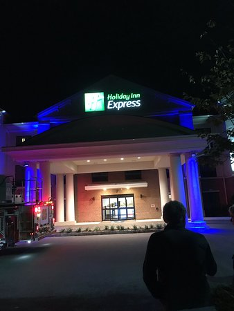 Holiday Inn Express Bordentown - Trenton South Photo