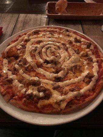 Delicious chicken kebab pizza