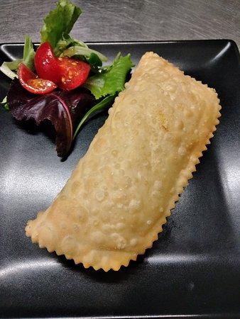 Barbajuai, raviolone fritto tipico del Ponente