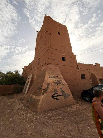 Tighmert, Marokko: Le caravansérail à l'extérieur