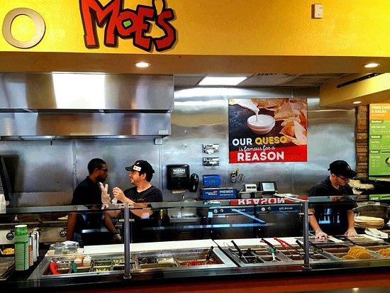Moe S Southwest Grill Boca Raton 2200 Glades Rd Updated 2021 Restaurant Reviews Menu Prices Tripadvisor