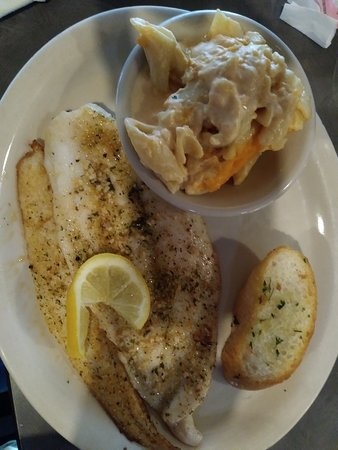 Grilled redfish with creamy mac and cheese