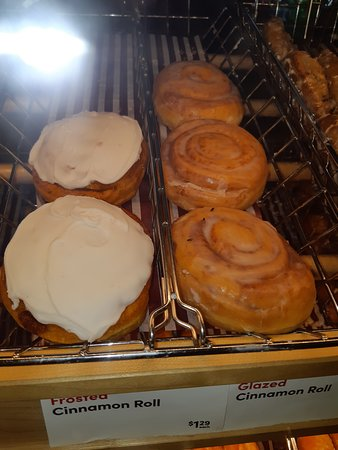 Lower Sackville, Canada: three fly's on the donut