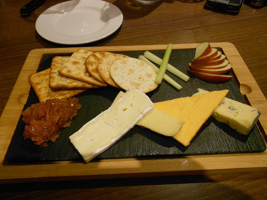 Aynho, UK: The Cartwright Cheeseboard - Delicious