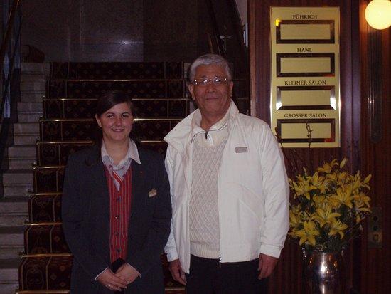 Βιέννη, Αυστρία: 定宿Astria Hotelの別嬪スタッフ。控えめで昔の日本女性みたいだった。