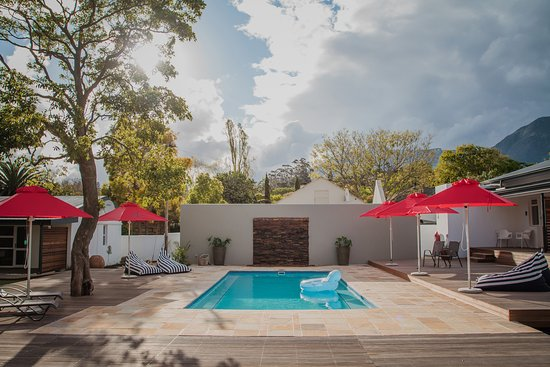 Overberg District, Sør-Afrika: Our beautiful swimming pool and deck area