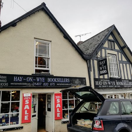 Hay-on-Wye_booktown_3