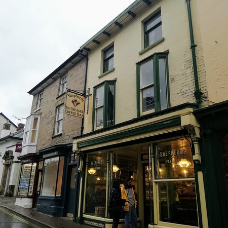 Hay-on-Wye_booktown_8