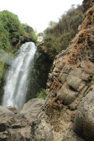 Peguche, Ecuador: otra vista de la cascada