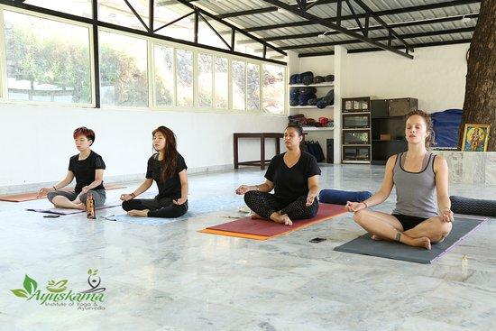 Ayuskama Mediation Yoga Course