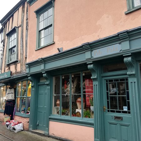 Hay-on-Wye_booktown_9