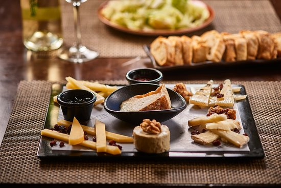 Tabla de quesos artesanos españoles