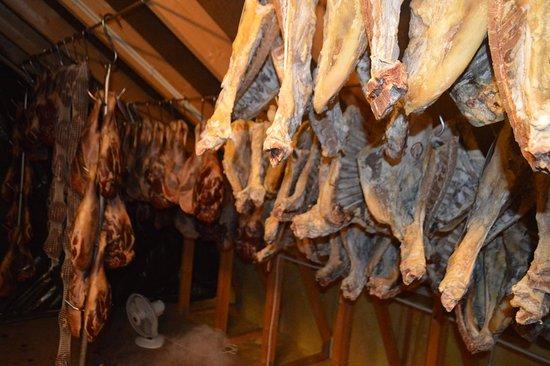 Vanse, นอร์เวย์: Fenalår og pinnekjøtt