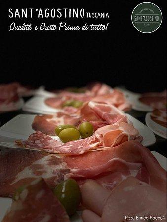 - Prosciutto Crudo 𝐒𝐚𝐧 𝐃𝐚𝐧𝐢𝐞𝐥𝐞 𝐃𝐎𝐏 stagionato 18 mesi - Mortadella di 𝐌𝐨𝐝𝐞𝐧𝐚 𝐈𝐆𝐏 al pistacchio - Salame di 𝐍𝐨𝐫𝐜𝐢𝐚 - Lonza 𝐔𝐦𝐛𝐫𝐚