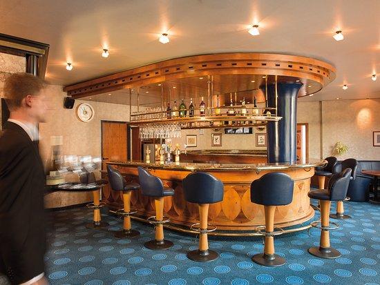 Victor's Bar