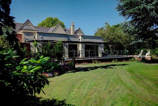 Brasserie Artisan External Garden