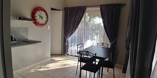Ντουρμπάν, Νότια Αφρική: Squire 2 Seating area