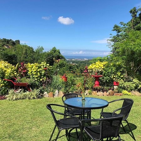 St. Ann's, Trinidad: a chill spot for sit for your picnic lunch or tea