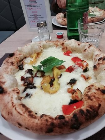 Very good place to eat pizza.
